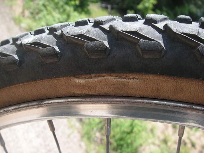 Verifica e manutenzione copertoni bici e ruote